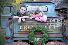 holiday photos If only you could gake a pic of mine with a colorful rusty old truck in time! 100 Photos to Inspire Your Holiday Cards - Harvard Homemaker