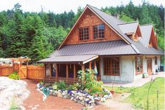 Sustainable Works is a strawbale home builder in BC. Also offering workshops.