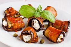 Rollos de Berenjena con Queso Feta Te enseñamos a cocinar recetas fáciles cómo la receta de Rollos de Berenjena con Queso Feta y muchas otras recetas de cocina..