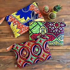Sac Pochette clutch wax africain éthnique et suédine noir : Backpack Ankara print, wax print, african print, ethnic wax african print ethnic geometric graphic green, yellow and red Strap is adjustable. African Accessories, Fashion Accessories, Fashion Jewelry, African Crafts, Geometric Graphic, African Print Fashion, African Fabric, Handmade Bags, Etsy