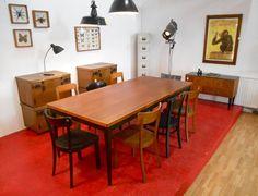 Retrosalon: Großformatiger Mid Century Tisch