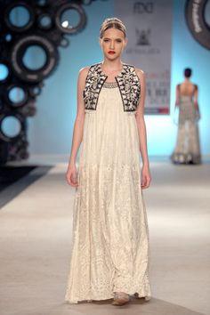 Delhi Couture Week July 2011 Part 2: Anju Modi, Ashima Leena, Gaurav Gupta, JJ Valaya, Manav Gangwani