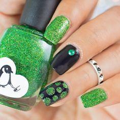 glittler, green, black, dots, vinyls, charm, nails, mani