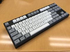 Novatouch + SP dye-sublimated PBT. Minus hypersphere rings :(