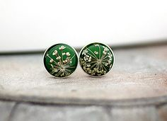 Queen Anne's Lace Sterling silver GRASS GREEN Real Flower Stud by VillaSorgenfrei