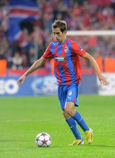 Tomas+Horava+FC+Viktoria+Plzen+v+NK+Maribor+YTNb5Vf5Dwzl.jpg (431×594)