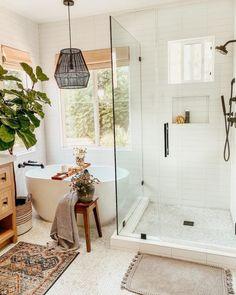 Rebecca Judd, Eclectic Bathroom, Bathroom Interior, Bathroom Ideas, Bathroom Designs, Bathroom Inspo, Bathroom Layout, Eclectic Decor, Bathroom Renovations