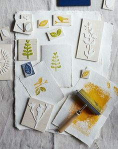 your own handmade stamps - Country Living Magazine UK Looking to add a personal touch to your greetings cards and wrap? Look no…Looking to add a personal touch to your greetings cards and wrap? Look no… Diy Stamps, Homemade Stamps, Foam Stamps, Shibori, Make Your Own Stamp, Make Your Own Stencils, Diy 2019, Stamp Carving, Arts And Crafts