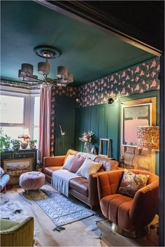 3-ways-to-add-texture-to-your-home-textured-lives-designs Dark Green Living Room, Dark Green Kitchen, Green Lounge, Design Projects, Design Ideas, Diy Projects On A Budget, Cosy Lounge, Wall Panelling, Eclectic Living Room