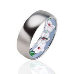 Обручальное кольцо из белого золота с эмалью. #jewellery #украина #обручальноекольцо #кольца #обручальныекольца #кольцаназаказ #кольцосбриллиантами #эксклюзивныеукрашения #ювелирныеукрашения #prytulajewellery #jewelry #gold #golden #свадьба #белоезолото #эксклюзивныекольца #заказатькольца #weddingring