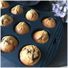 De bedste bananmuffins uden sukker - Betina Wessberg Bombe Recipe, Cook Up A Storm, Dessert Recipes, Desserts, Girl Birthday, Healthy Snacks, Gluten Free, Bread, Cookies