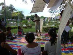 O Movimento Poesia na Boca da Noite traz sua atividade poética ao vão livre do Masp nesta quarta-feira, 15, às 17h, em apresentação que tem entrada Catraca Livre.