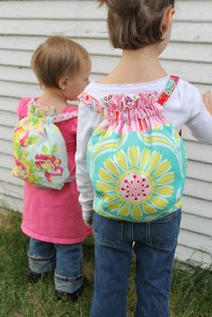 Stitchery Dickory Dock made super cute back totes for her girls. I need to make some too!