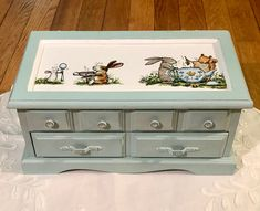 Jewelry Box Makeover, Chalky Paint, Ring Storage, Forest Creatures, Altered Boxes, Box Art, Diy Furniture, Bunnies, Tea Party