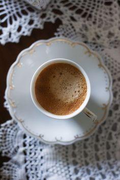 Peet's Espresso Capsules for Nespresso Caffeine, Nespresso, Beverages, Cocktails, Tableware, Easy, Vintage, Craft Cocktails, Dinnerware