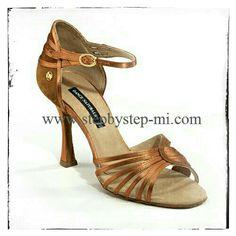 Sandalo in Raso bronzo #stepbystep #scarpedaballo #sandali #sandal #danceshoes #salsa #bachata