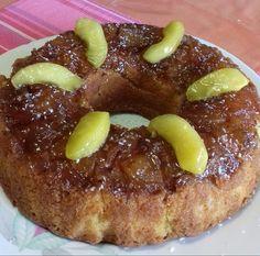 """Η Συνταγή είναι από κ. Ρουλα Λυρου – """"ΟΙ ΧΡΥΣΟΧΕΡΕΣ / ΗΔΕΣ"""". Μια συνταγή για υπέροχη μηλόπιτα, αφράτη και μοσχομυριστή που κανείς δεν μπορέσει να της αντισταθεί. ΥΛΙΚΑ 3 μεγαλα μήλα 3 αυγά 3/4 της κουπας τσ.σπορελ...1 ποτ.ζαχαρη 3"""