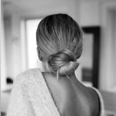 Suns out buns out ☀️☀️☀️☀️ 5⃣ low key do's to get you through today fromPinterest.com/TheManeAddicts