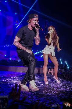 American singer Ariana Grande and Justin Bieber have teamed up during the pandemic to help those in need. The song was announced on Friday by both Bieber and Ariana, with proceeds from the album going towards an awesome cause. Justin Bieber 2015, Fotos Do Justin Bieber, Ariana And Justin, Ariana Grande Justin Bieber, Ariana Grande Fotos, Hailey Baldwin, Superstar, Bae, Justin Bieber Wallpaper