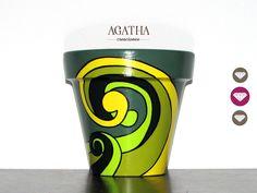 macetas pintadas a mano Terracotta Flower Pots, Painted Flower Pots, Painted Pots, Hand Painted, Flower Pot Crafts, Love Painting, Clay Pots, Diy Art, Garden Art