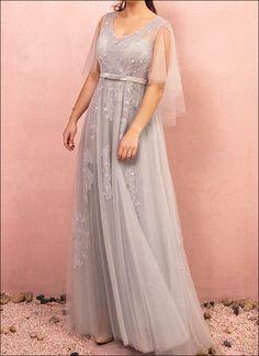 eaee04cebcf Abendkleid mit leichten Ärmeln in Silbergrau. Abendkleider Ballkleider