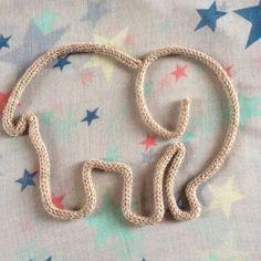 Eléphant en tricotin sur commande