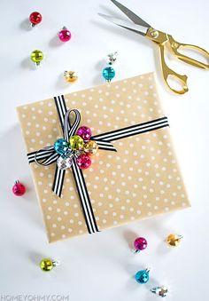 Glitzy Glam Ornament Gift Wrap