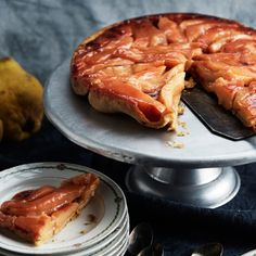 Gratin de coquillettes au parmesan, blanquette de veau et tatin de coings… Cette semaine, on se fait plaisir avec trois recettes gourmandes tirées du premier livre de cuisine de la Maison Plisson, l'épicerie et cantine parisienne aux produits triés sur le volet.