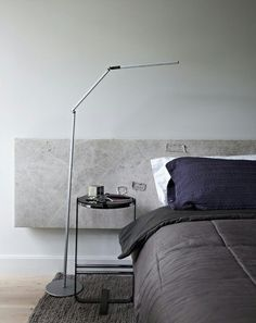Designs ideas for creating a minimalist bedroom (image by Elle Decor) Home Bedroom, Modern Bedroom, Bedroom Decor, Bedroom Ideas, Serene Bedroom, Design Bedroom, Elle Decor, Kb Homes, Interior Minimalista