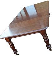 LT Antiques - Early victorian mahogany extending dining table 8f