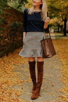 The Perfect Pearls & Houndstooth Skirt - Kelly in the City
