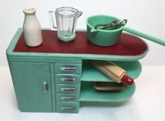 GREEN AND RED Kitchen Counter Vintage Plasco Dollhouse Furniture 1:16  Renwal | EBay