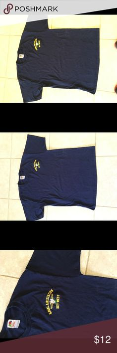 0cc67c34da7 T Shirt Naval Air Station Navy Cotton Round Neck Fruit of the Loom Heavy  size L