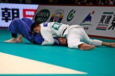 kami shiho gatame - IJF News 69 - Judo Grand Slam, Tokyo 2013 - DAY 2