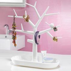 Ce porte bijoux en forme d'arbre de la marque Koziol permet de stocker tous vos bijoux de manière tendance et décorative. C'est l'idée cadeau parfaite pour toutes les fans de bijoux !