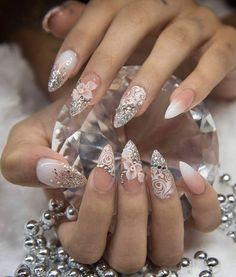Vintage Nails, Round Nails, Beautiful Nail Designs, Rhinestone Nails, Nail Decorations, Nail Tutorials, Nude Nails, Gorgeous Nails, Wedding Nails