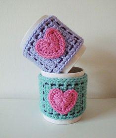 Crocheted Heart Mug Cozy - 82 Best Crochet Heart Pattern – Top Tutorials Crochet Coffee Cozy, Crochet Cozy, Love Crochet, Crochet Gifts, Crochet Yarn, Coffee Cozy Pattern, Knitting Patterns, Crochet Patterns, Crochet Symbols