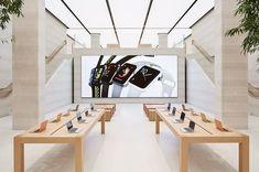 Apple Retail Store Design At Regent Street It Service Desk, Regent Street, Fireplace Set, Ad Home, Phone Shop, Dream House Exterior, Retail Design, Store Design, Exterior Design