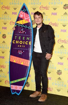 Pin for Later: Seht alle Stars bei den Teen Choice Awards! Josh Hutcherson