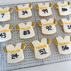 May just have to make these Pittsburgh Steelers Football Jersey Cookies for the first game of the season!
