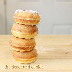 Mini Donut Maker Recipes, Vanilla Donut Recipes, Babycakes Donut Maker, Babycakes Recipes, Mini Donuts, Baked Donuts, Plain Donut Recipe, Easy Donut Recipe, Baby Cakes Maker