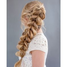 """""""I am teaching my next webinar with @behindthechair_com on Mon Feb 23rd, and this time it's all about BRAIDING (including the SBS for this lovely braid).…"""""""