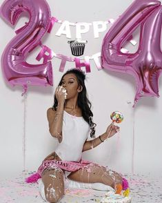Birthday photoshoot ideas for 18 ideas for 2019 Birthday party ideas Birthday photoshoot ideas f Birthday Goals, 24th Birthday, Girl Birthday, 25th Birthday Ideas For Her, Birthday Outfits, Birthday Month, Mermaid Birthday, Glam Photoshoot, Photoshoot Themes