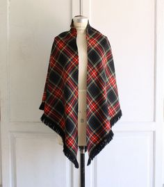 60s vintage tartan plaid wrap shawl in classic hunter green, red & black. Super-soft & silky- smooth fine gauge wool makes a classically chic, warm