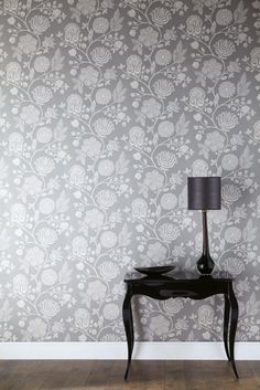 ♅ Dove Gray Home Decor ♅ Grey Wallpaper Grey Pattern Wallpaper, Grey Floral Wallpaper, Interior And Exterior, Interior Design, Inspirational Wallpapers, Home Wallpaper, Amazing Wallpaper, Wallpaper Online, Dining Room Walls
