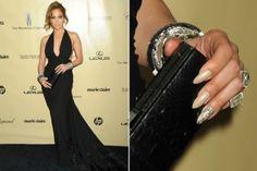 Ein Traum in Schwarz! Jennifer Lopez' Golden-Globe-Kleid von Zuhair Murad saß perfekt und betonte ihren durchtrainierten Körper. Die Schleppe mit Federn war da nur noch das i-Tüpfelchen! Unser COSMO-Look der Woche!