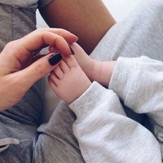 Find images and videos about cute, nails and baby on We Heart It - the app to get lost in what you love. Single Parenting, Kids And Parenting, Mom And Baby, Baby Kids, Baby Boy, Cute Kids, Cute Babies, Foto Baby, Cute Baby Pictures