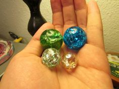 """""""Cracked"""" Marble Necklace Pendants ∙ How To by Ivy G. on Cut Out + Keep"""