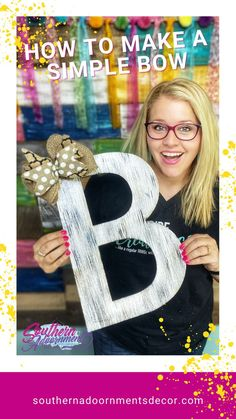 If you love bows... but have a super hard time making them yourself, then this post is for you! I'll show you a beginner bow that YOU can make in just a few minutes. It's super easy - I promise! Little Bow, Wooden Art, How To Make Bows, Door Hangers, Letters, Learning, Simple, Making Bows, Jute