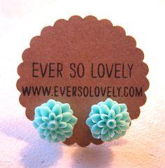 cute earrings. Looks like a cactus glower